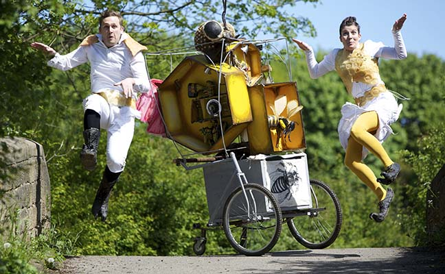 Bee Cart presented by Pif-Paf Theatre